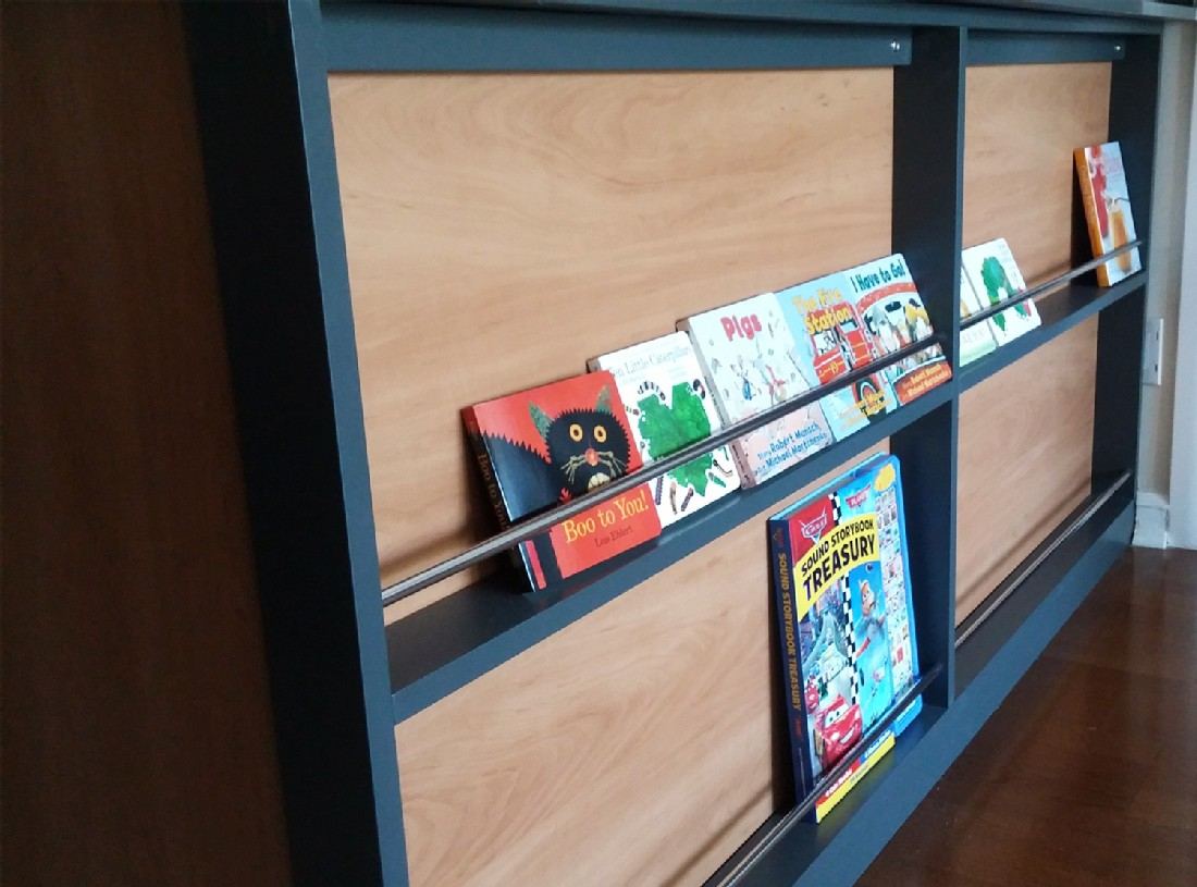 tn_custom-kids-book-shelf